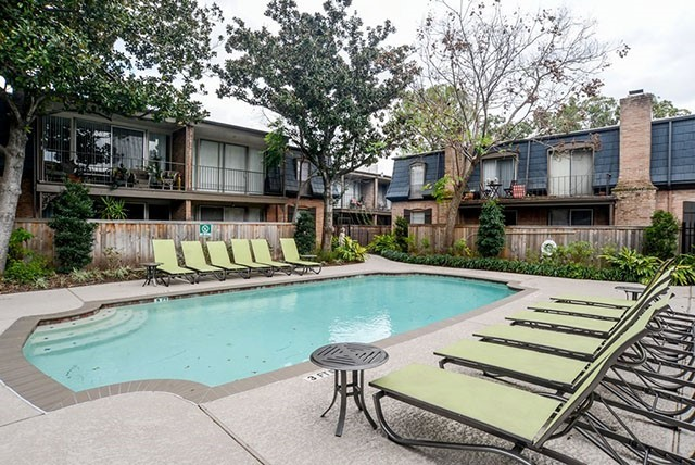 Houston Apartment Living Locators