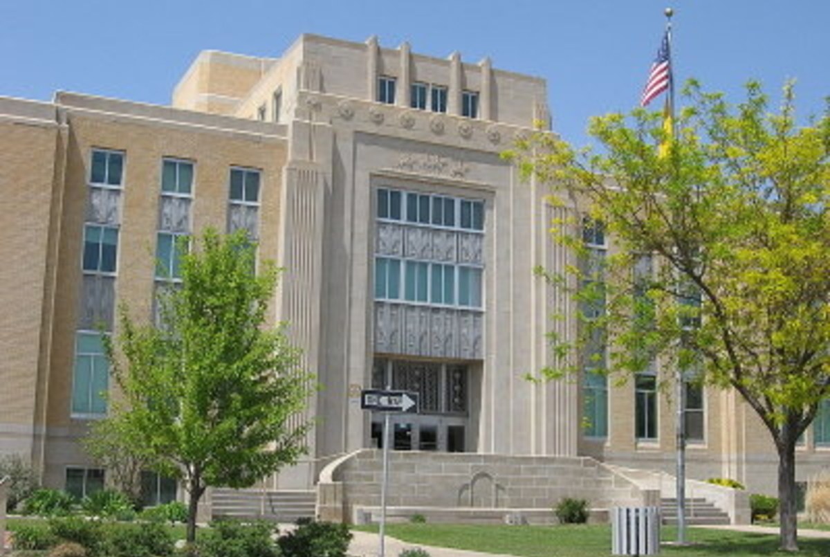 Portales Court House